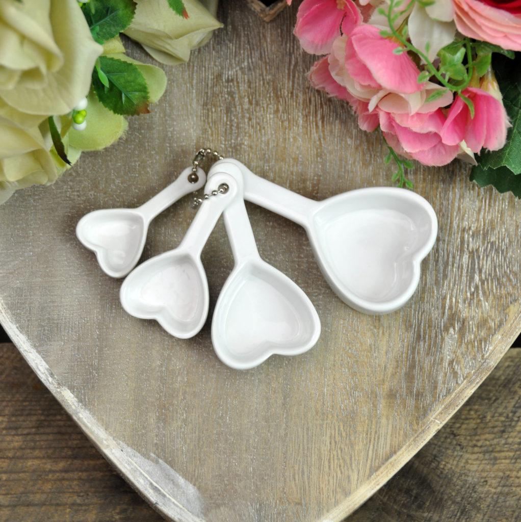 white-heart-spoons