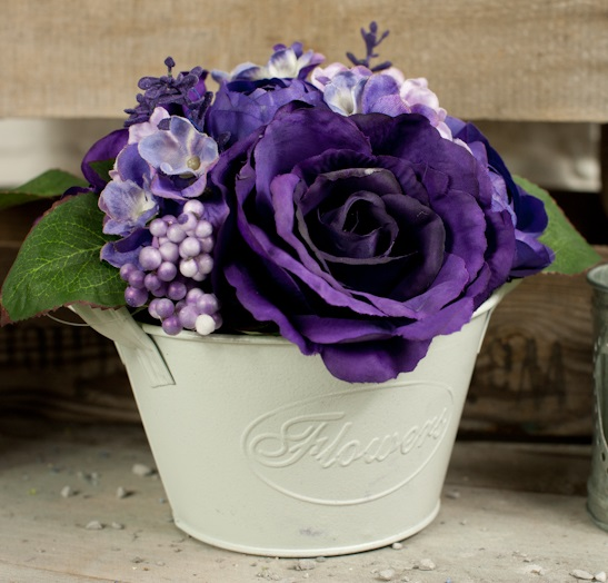 BB0022-404 (3) roses and hydrangeas in cream tin purple square