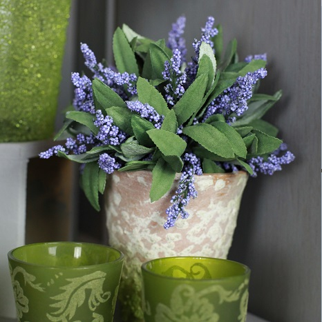 BB0256-400 small lavender cluster in aged terracotta pot square small