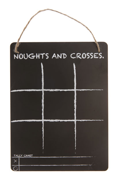 noughts-and-crosses-hanging-chalkboard CB-OXO