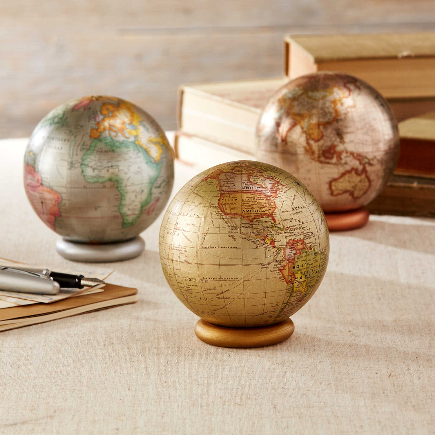 Decorative Globe With Metallic Stand