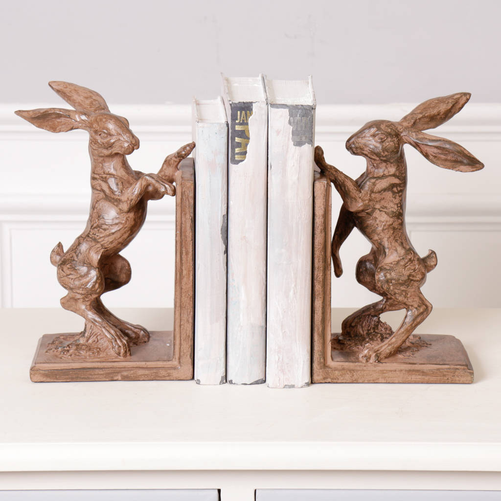 boxing-hare-book-ends