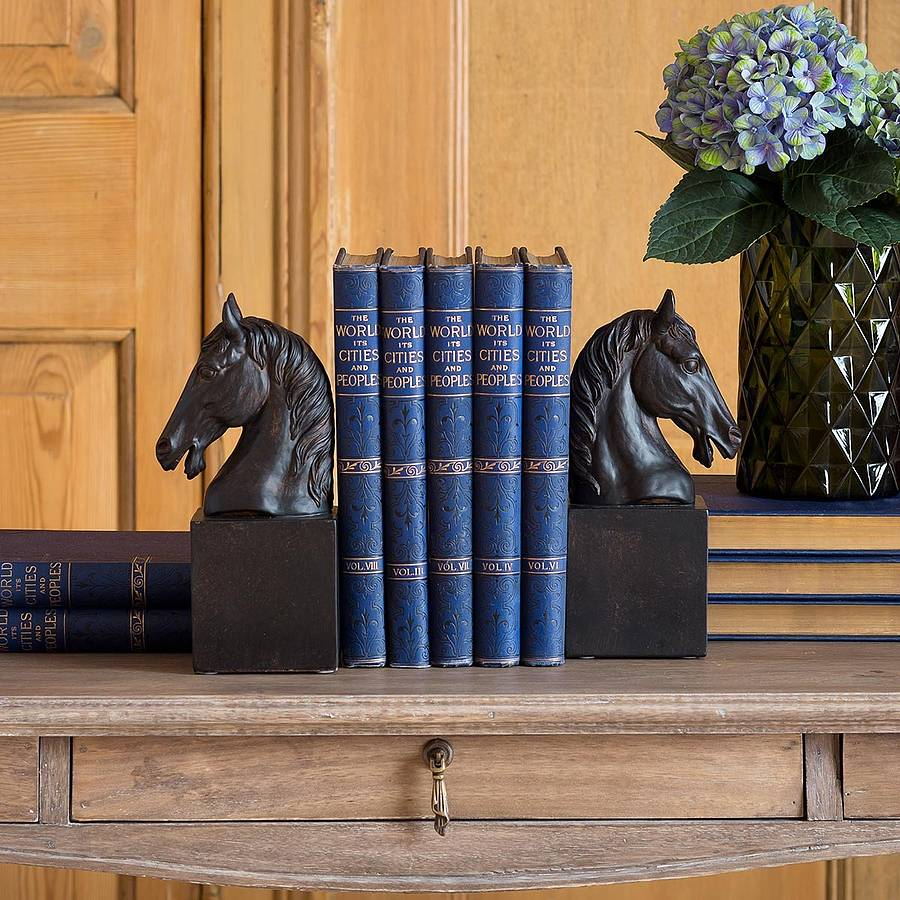 pair-of-horse-head-bookends