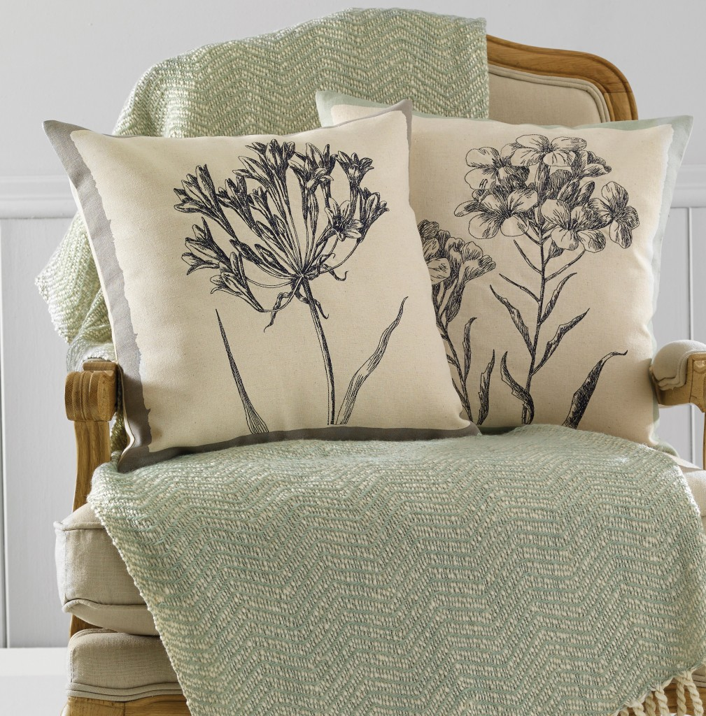 Archive cushion lifestyle – Botanic-square