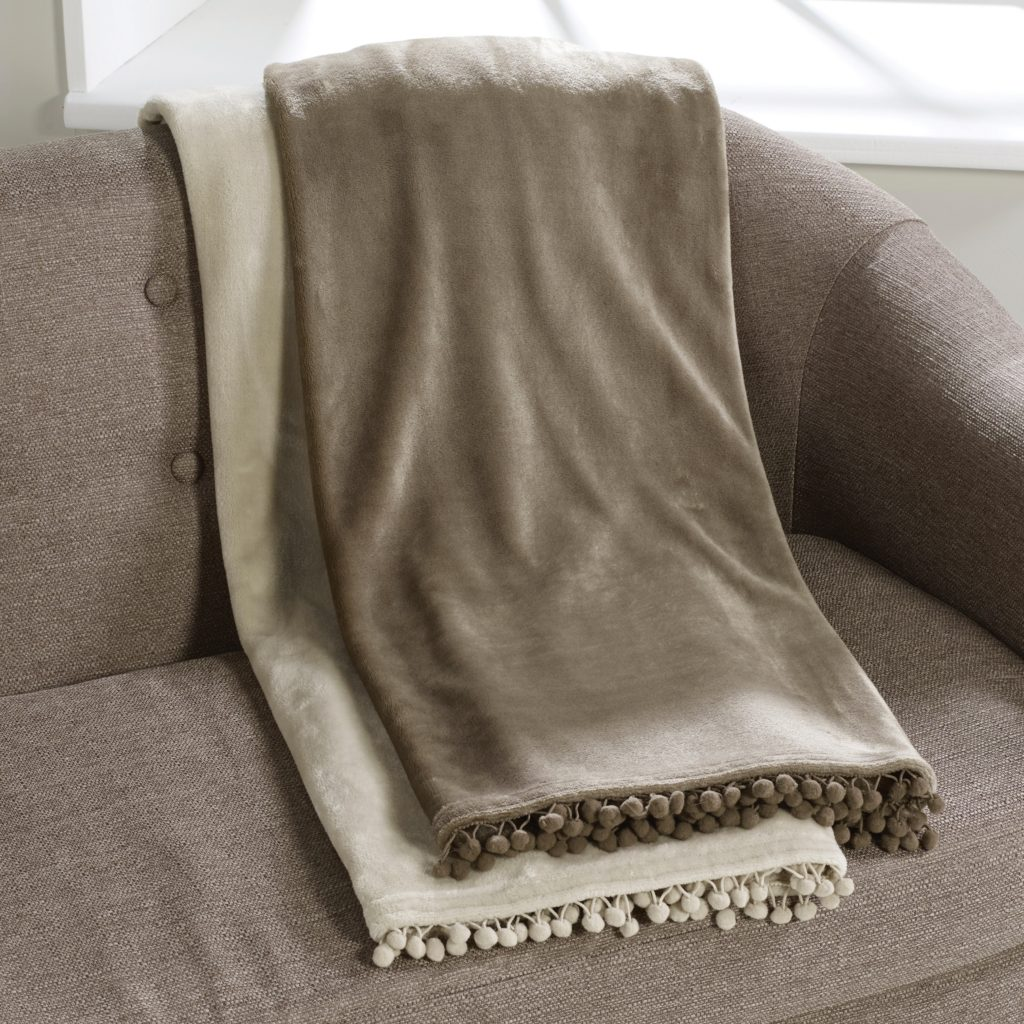 Cashmere Touch Fleece Throw Lifestyle