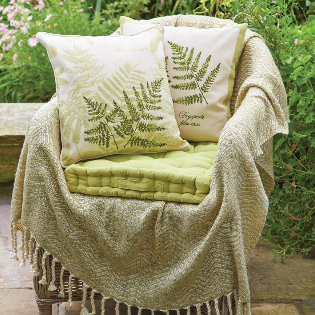 Archive cushion lifestyle – Fern 2-throw-square