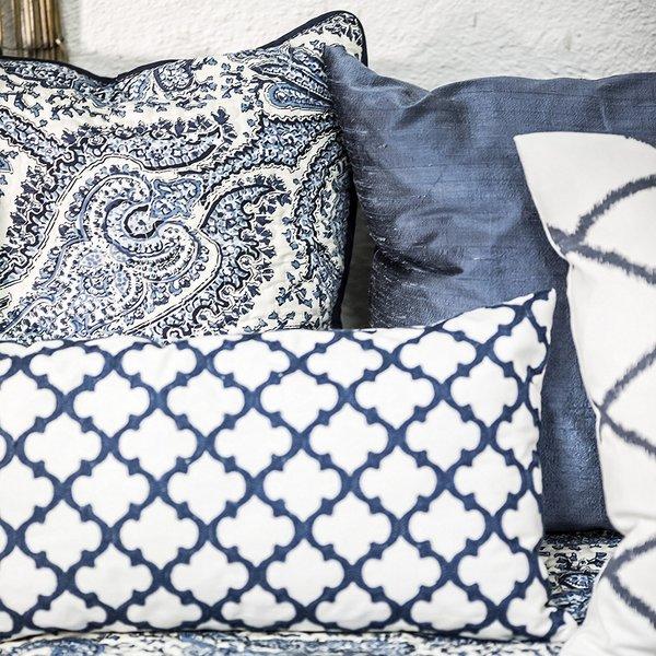 blue_bazaar_cushion_1_600x600