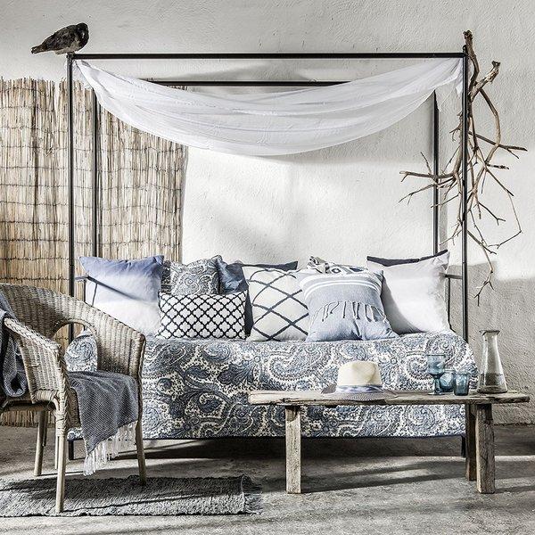 blue_bazaar_cushion_3_600x600