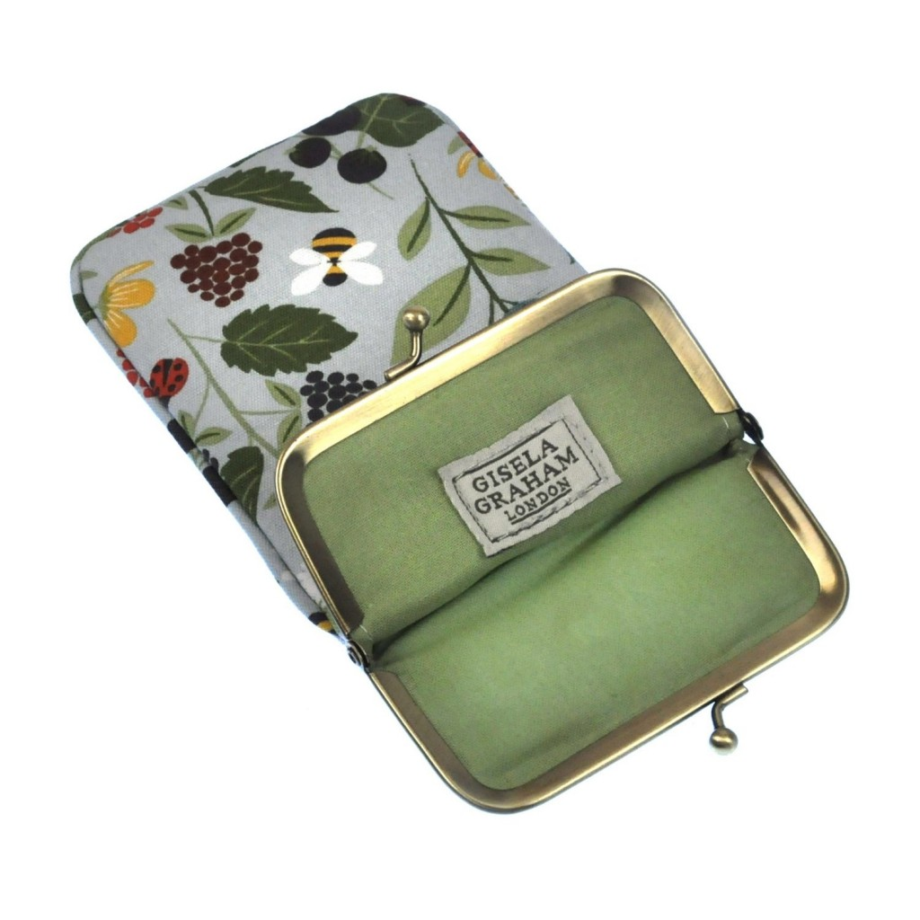 kitchen_garden_glasses_case_open
