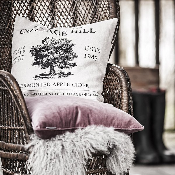 cottage_hill_cushion_1_600x600