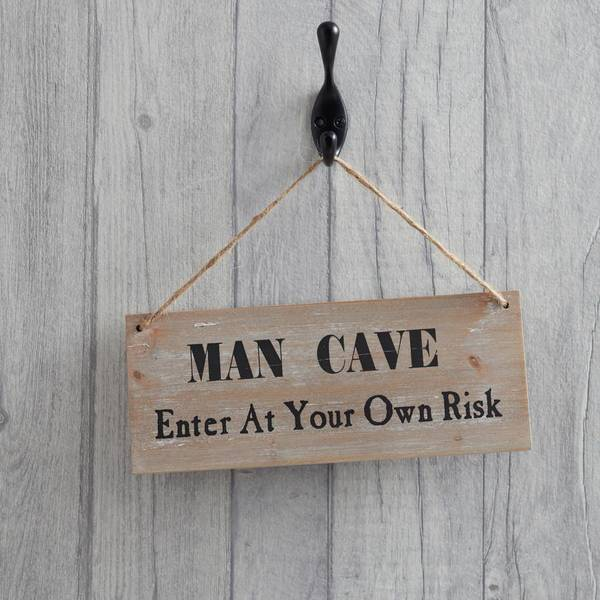 dads-man-cave-wooden-sign_600x600