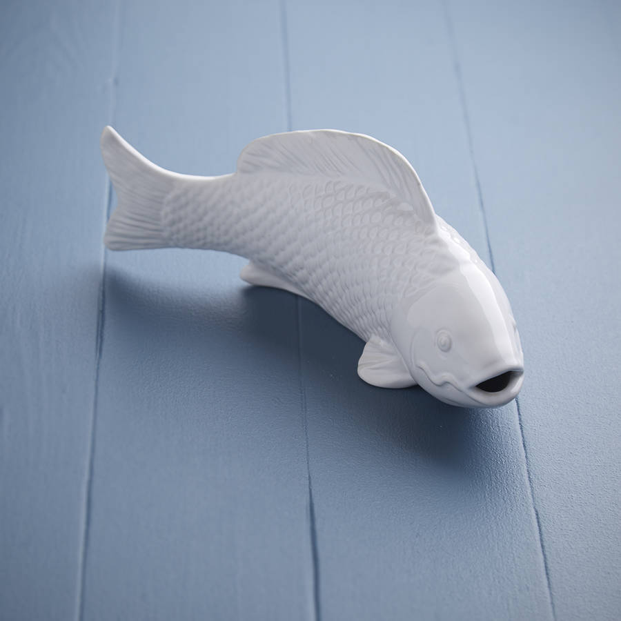 white-ceramic-fish-wall-art-gisela-graham