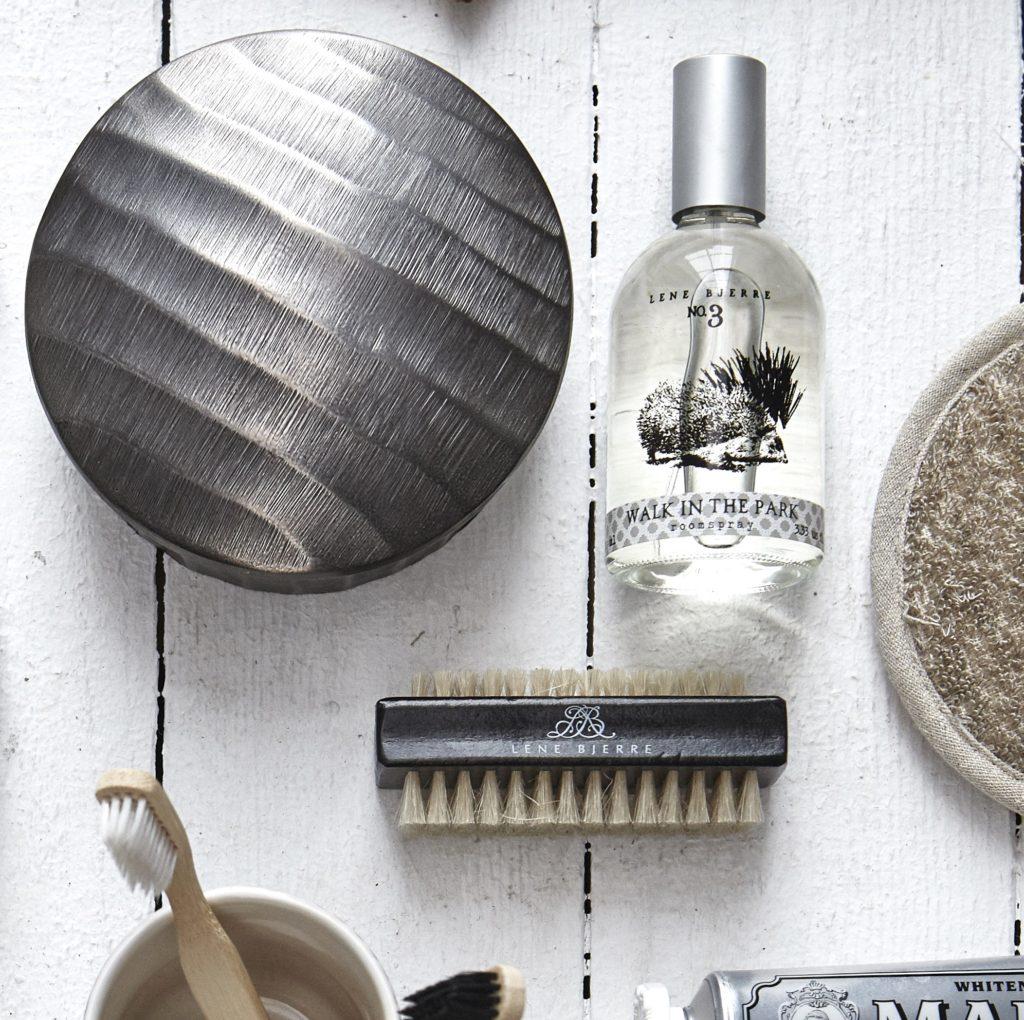 nailbrush-and-roomspray