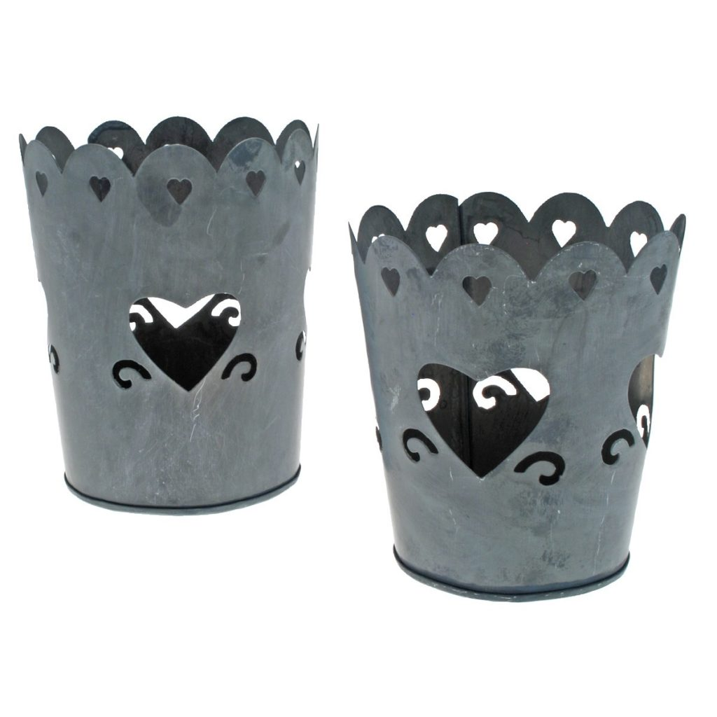 heart-tin-candle-holders