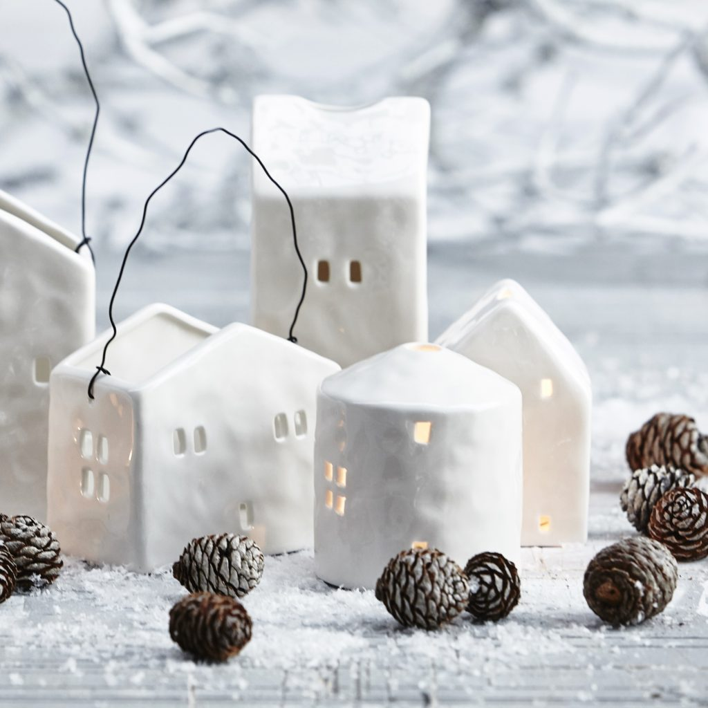houses-white-christmas