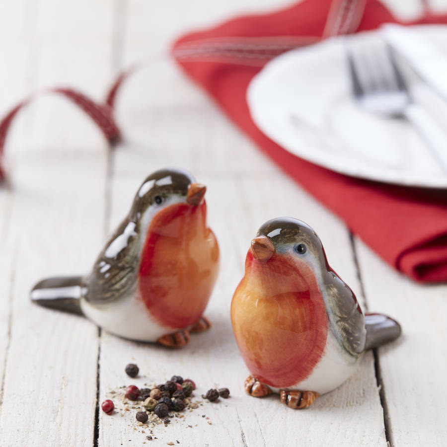 robin-salt-and-pepper-shakers