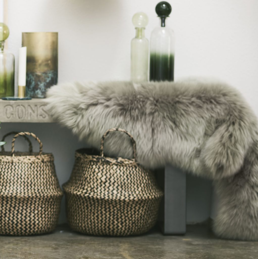 sheepskin-rug-grey