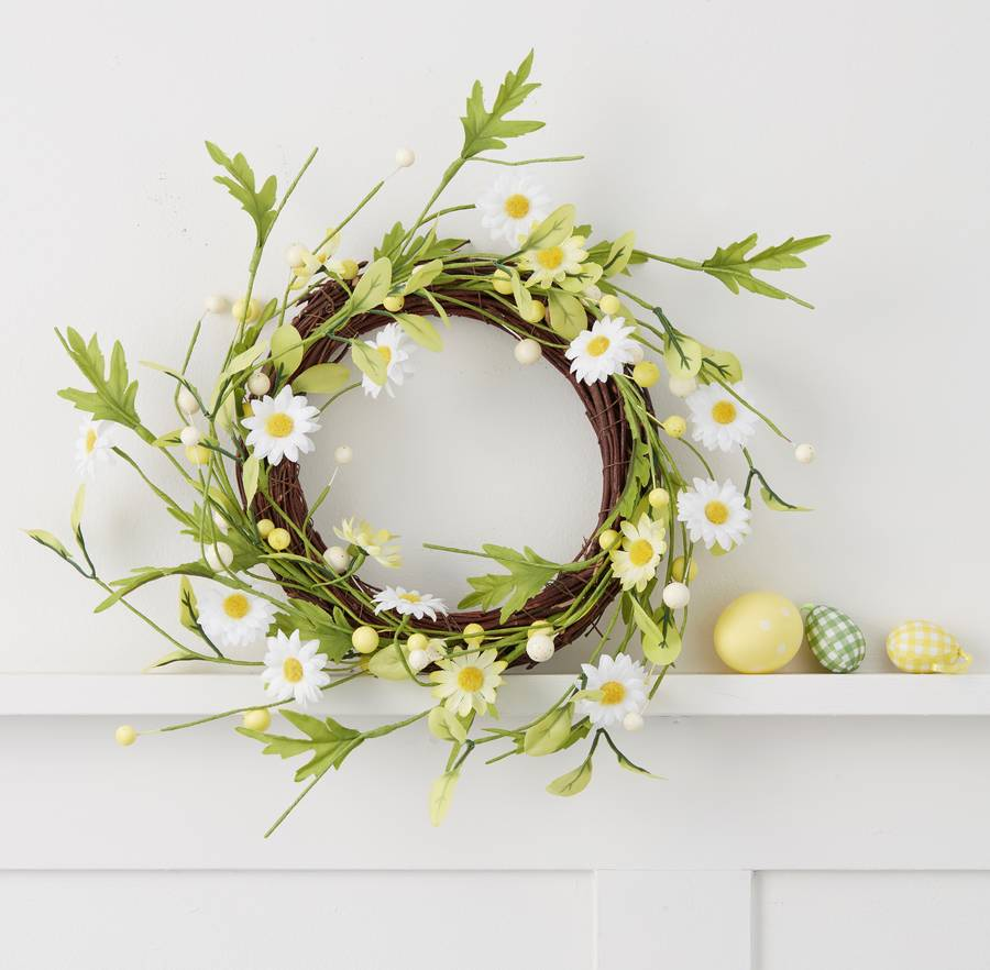 daisy-and-twig-door-easter-wreath