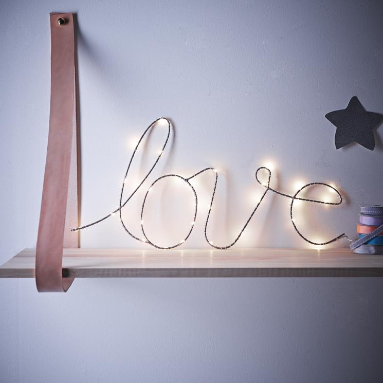 love-wire-light