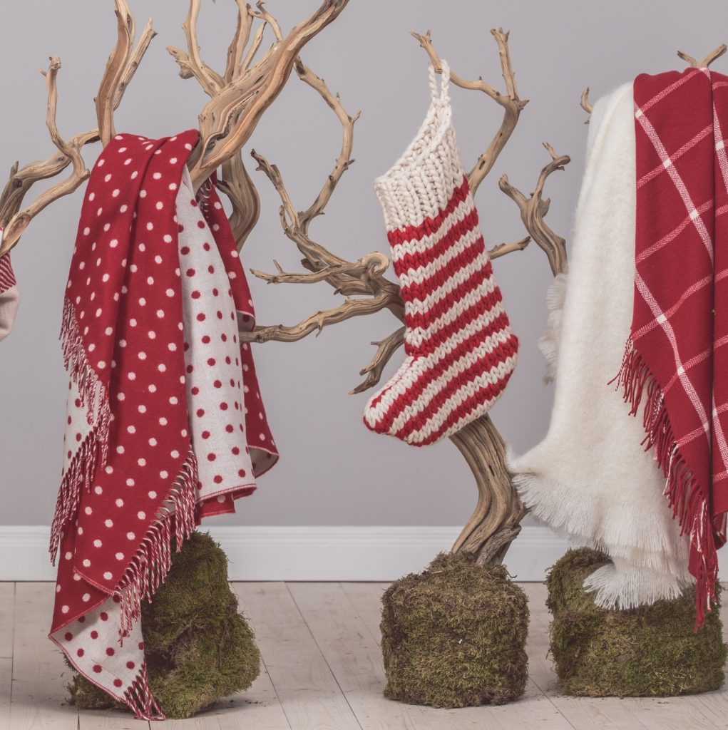Nordic-collection-woolen-throws-red-cream-Foxford-3