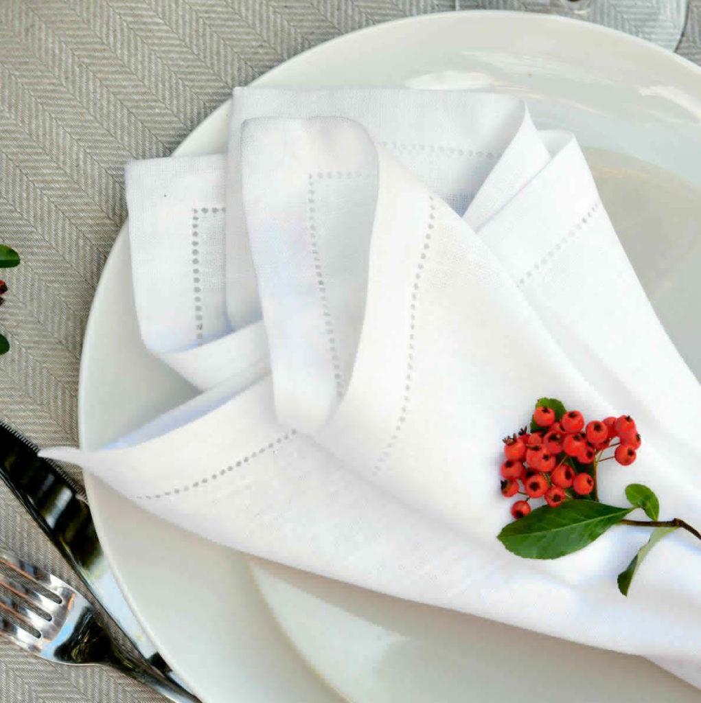 linen-napkins-porcelain-mood