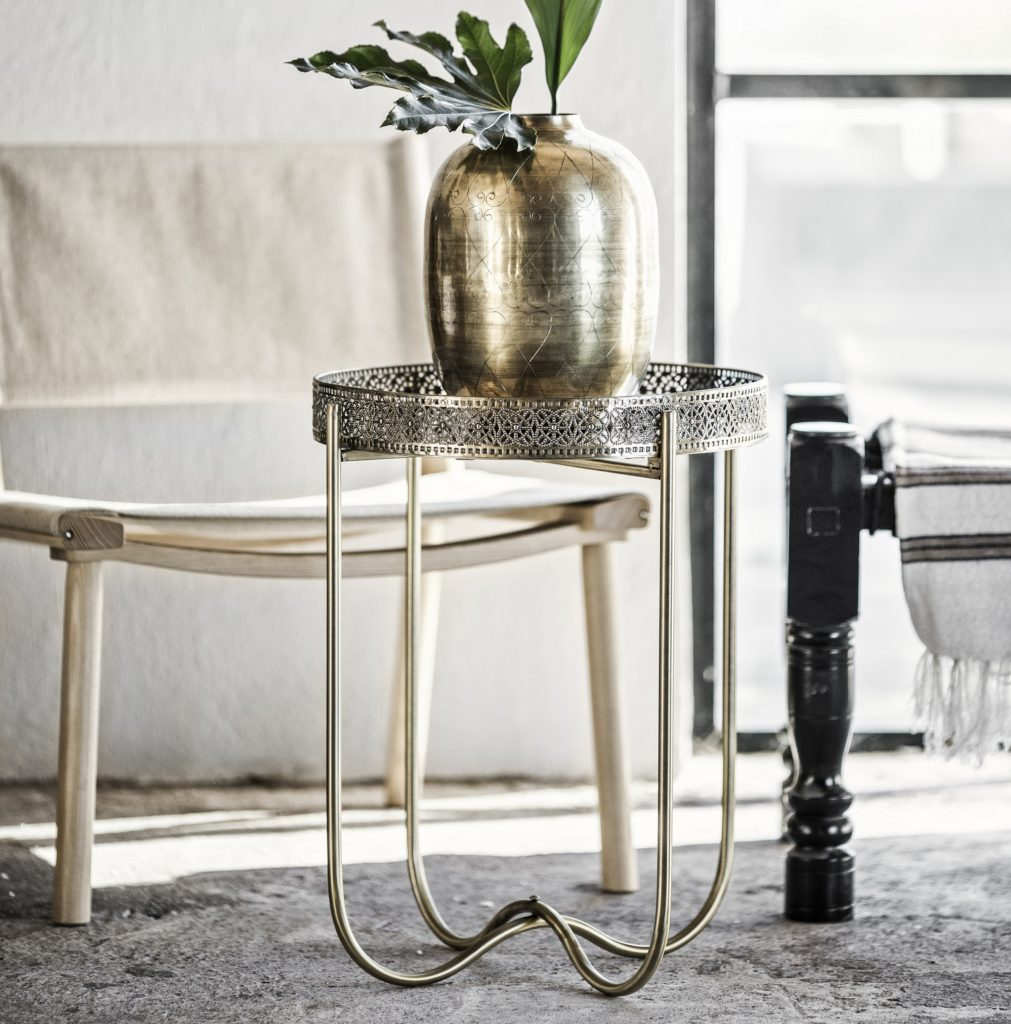 gold-tray-table