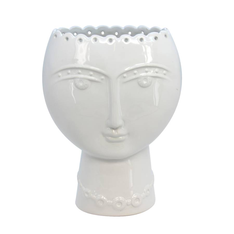 lady-white-vase-1