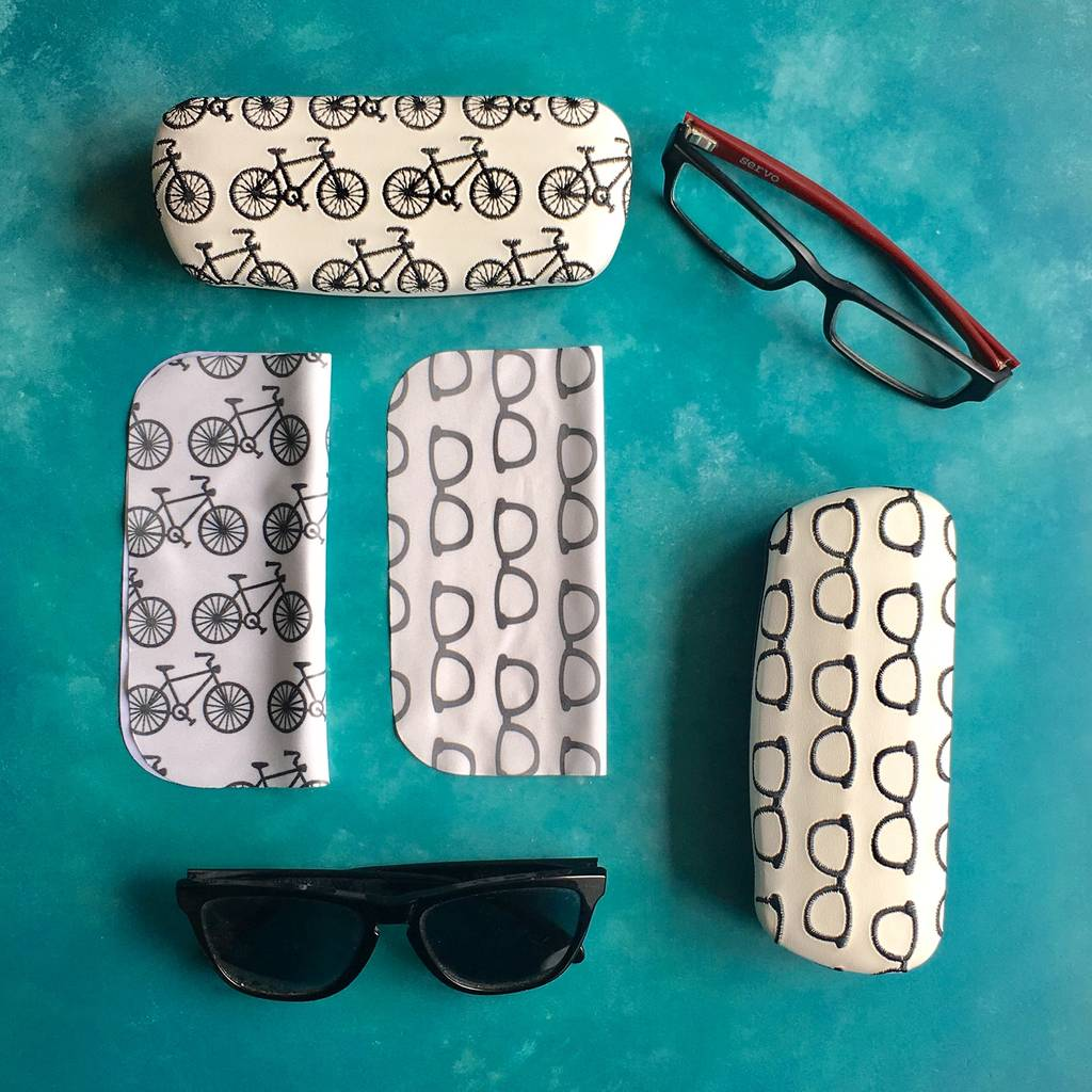 cycles-embroidered-glasses-case
