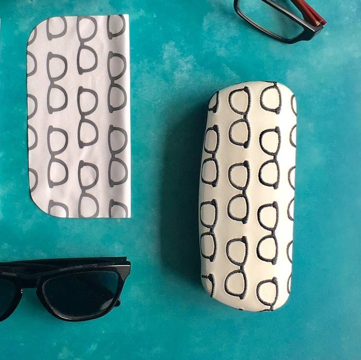 embroidered-glasses-case
