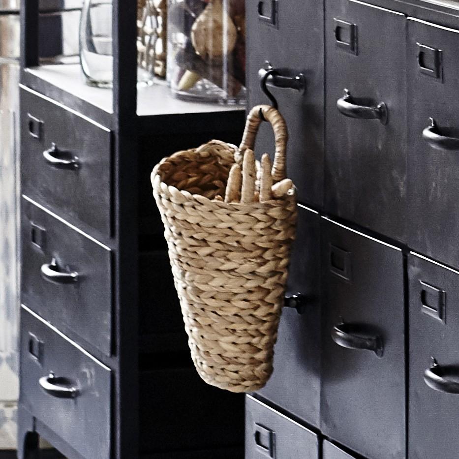 nadine_hanging_basket