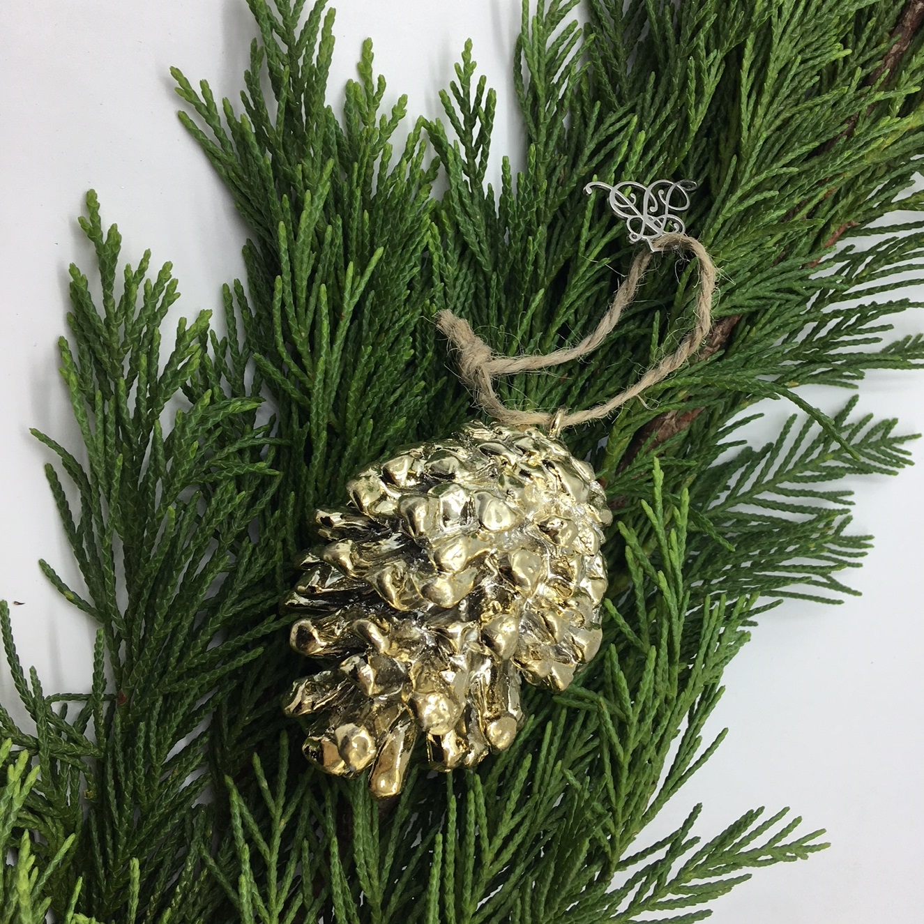 Gold long pine cone tree decoration tutti decor ltd for Long pine cones