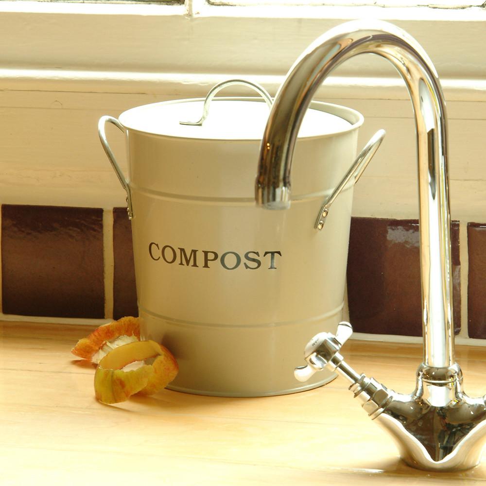 compost-bucket-clay-173443