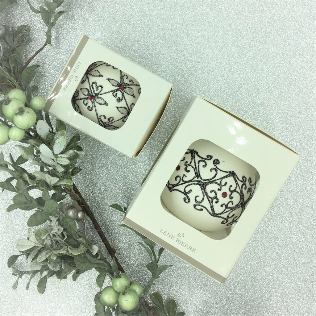 decorated-tree-decoration-bauble-large-small