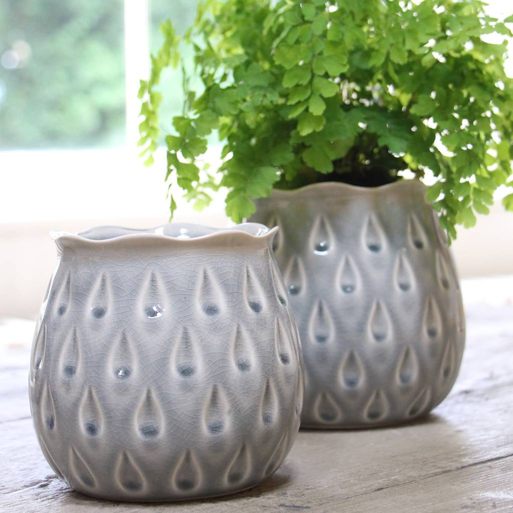 grey-teardrop-pots