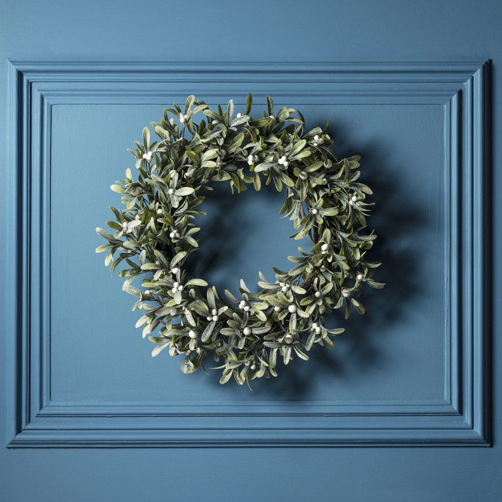 mistletoe wreath LED-2