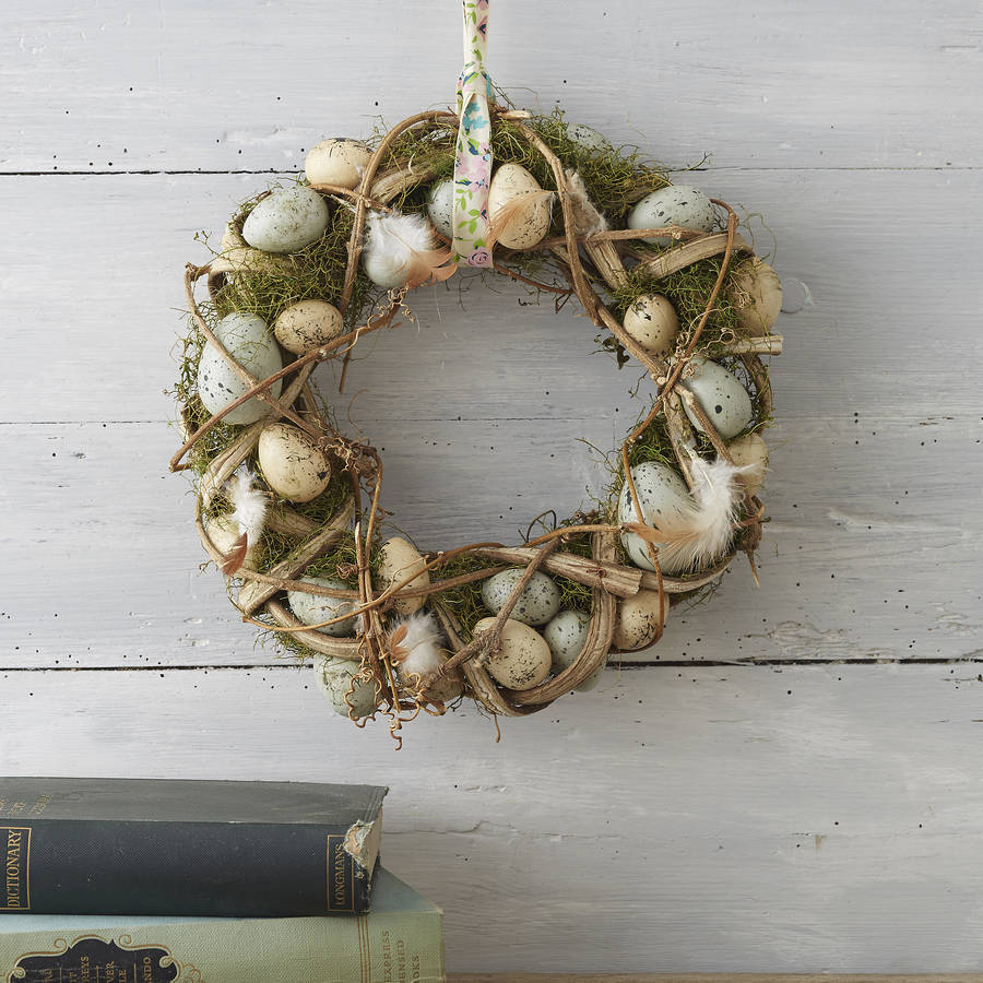 natural-moss-feathers-easter-egg-wreath-1