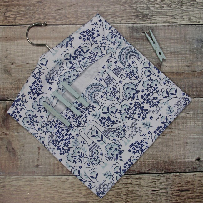 blue-scandi-folk-art-peg-bag-1