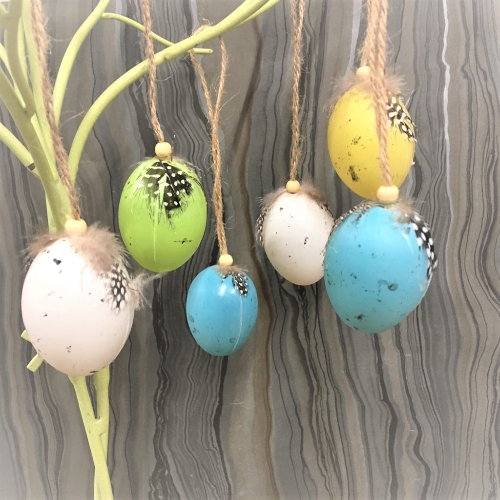 feather topped-coloured-eggs-2