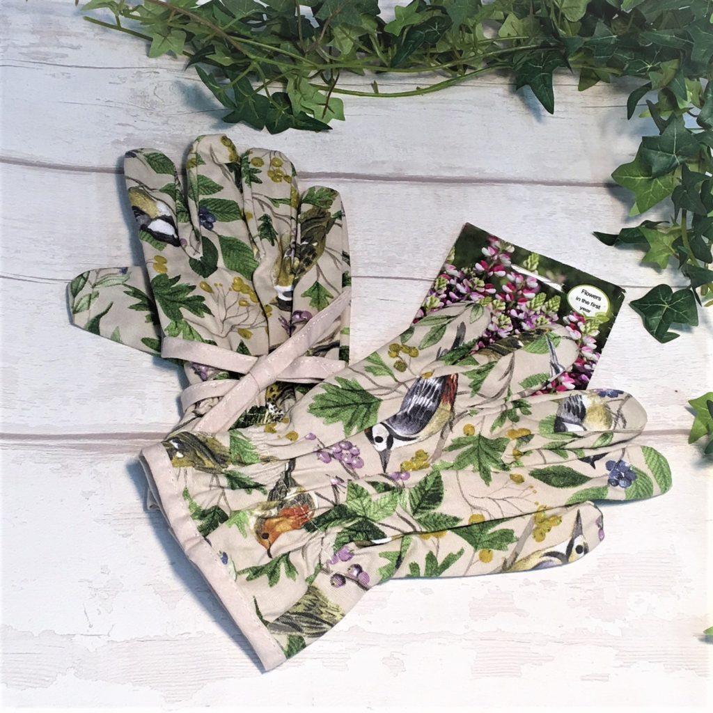 garden-birds-gardening-gloves-1