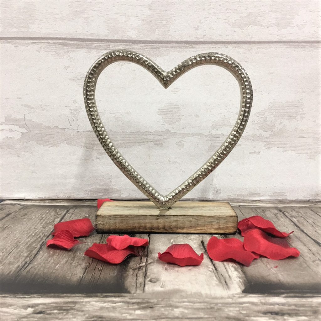 heart-on-wooden-stand-1