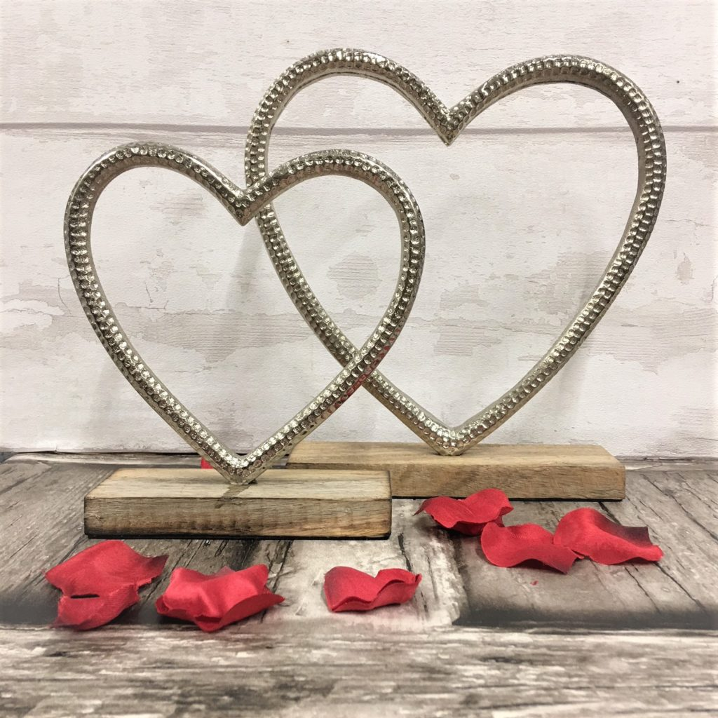 heart-on-wooden-stand-2