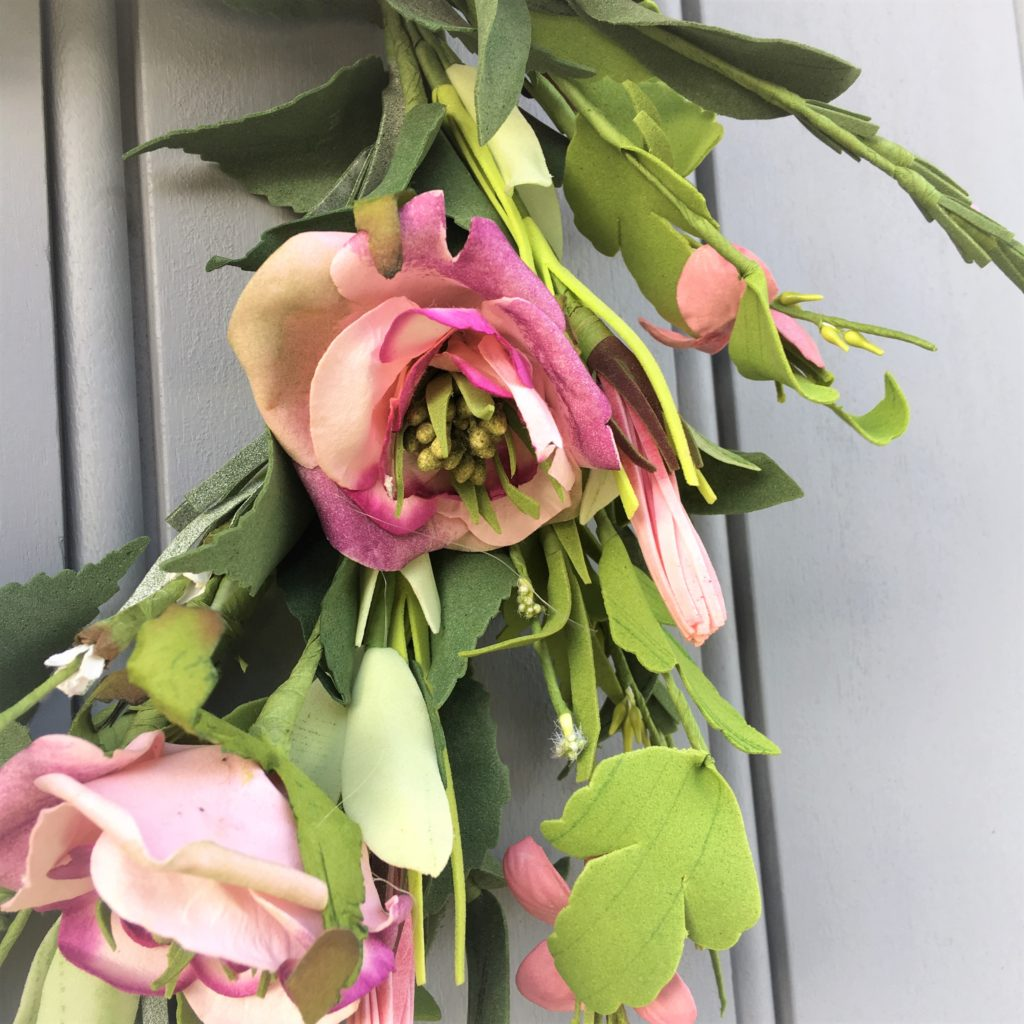 pink-heart-wreath-close
