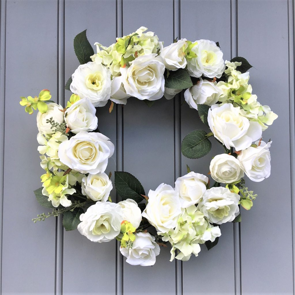 roses-white-large-wreath-mood