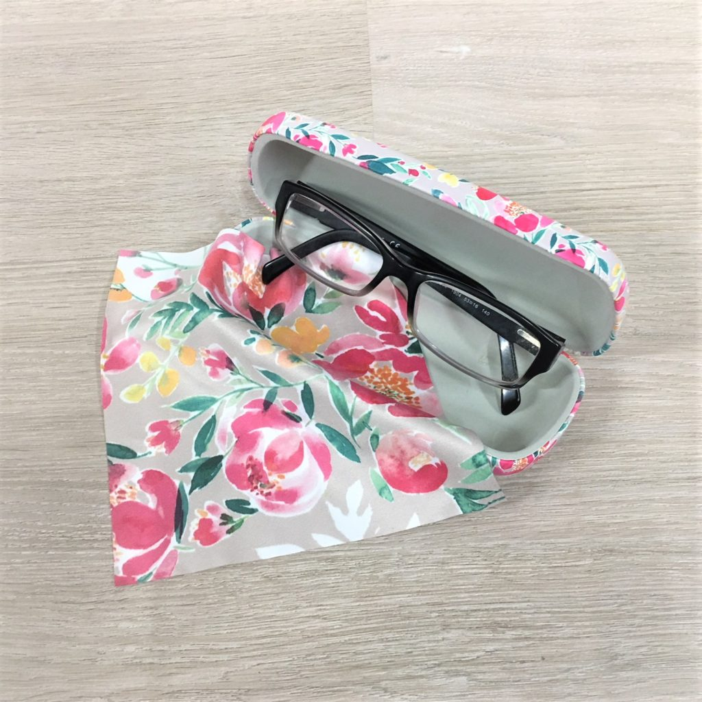 sweet-pea-glasses-case-2