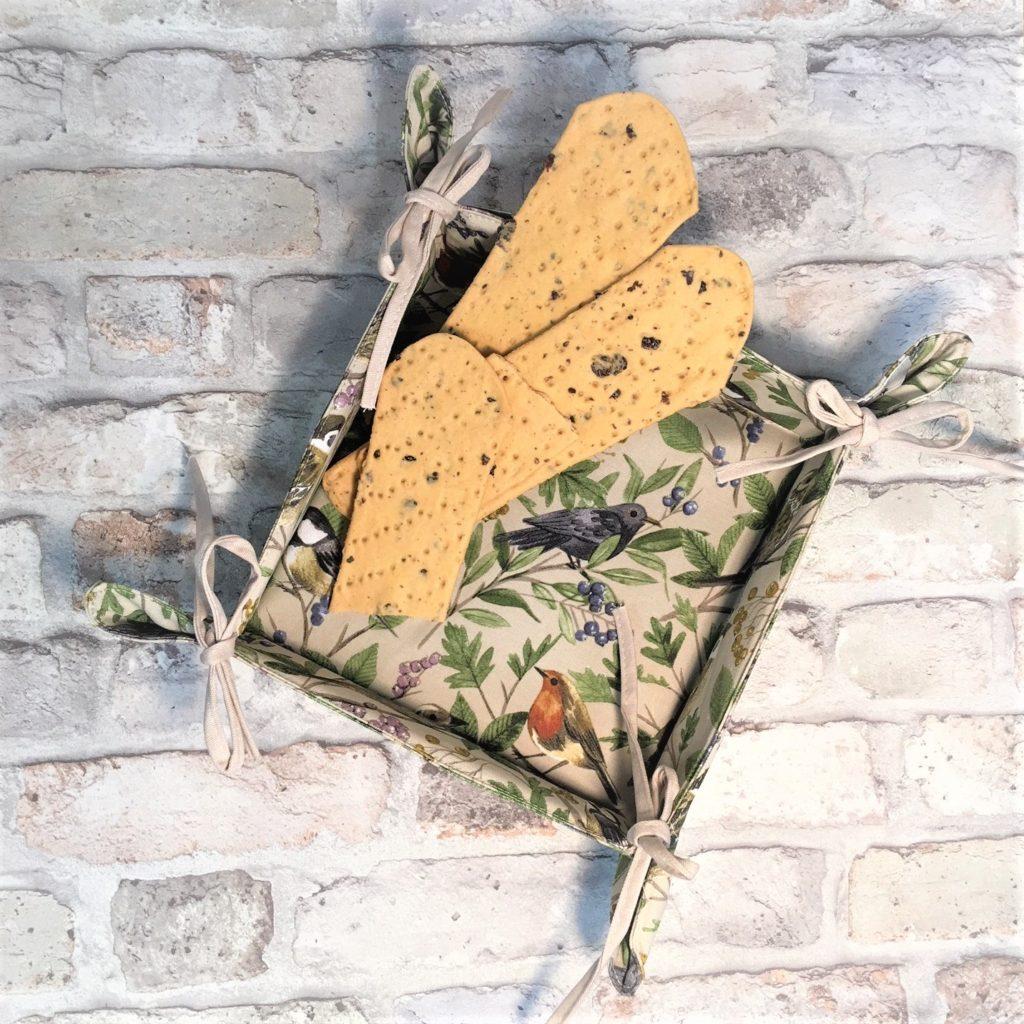 garden-birds-bread-basket-1