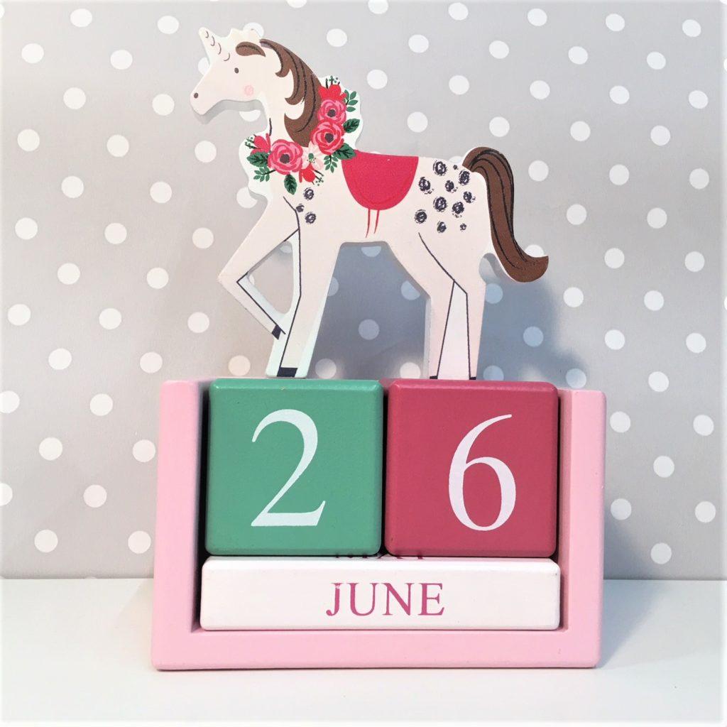 unicorn-calendar-block