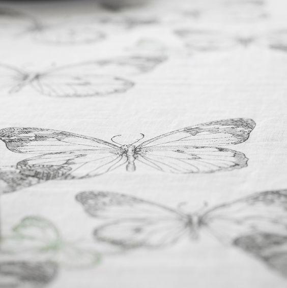 affair-butterfly-tablecloth-1