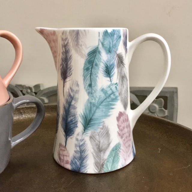 feather-jug-medium