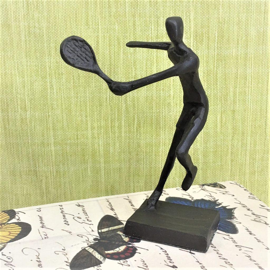 tennis-statue-2