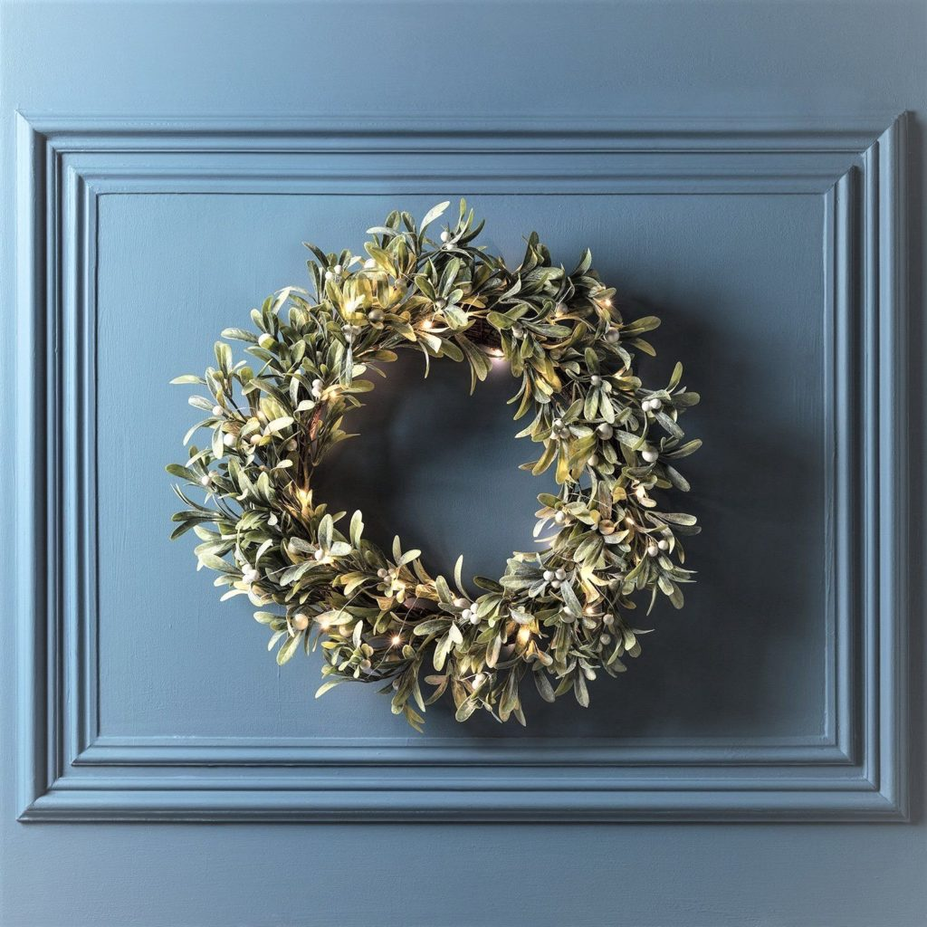 mistletoe wreath LED-1